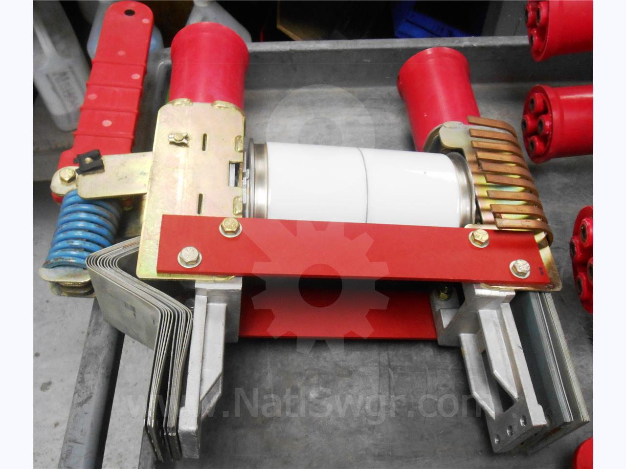 Westinghouse / Cutler Hammer WH VACUUM INTERRUPTER POLE BASE ASSEMBLY