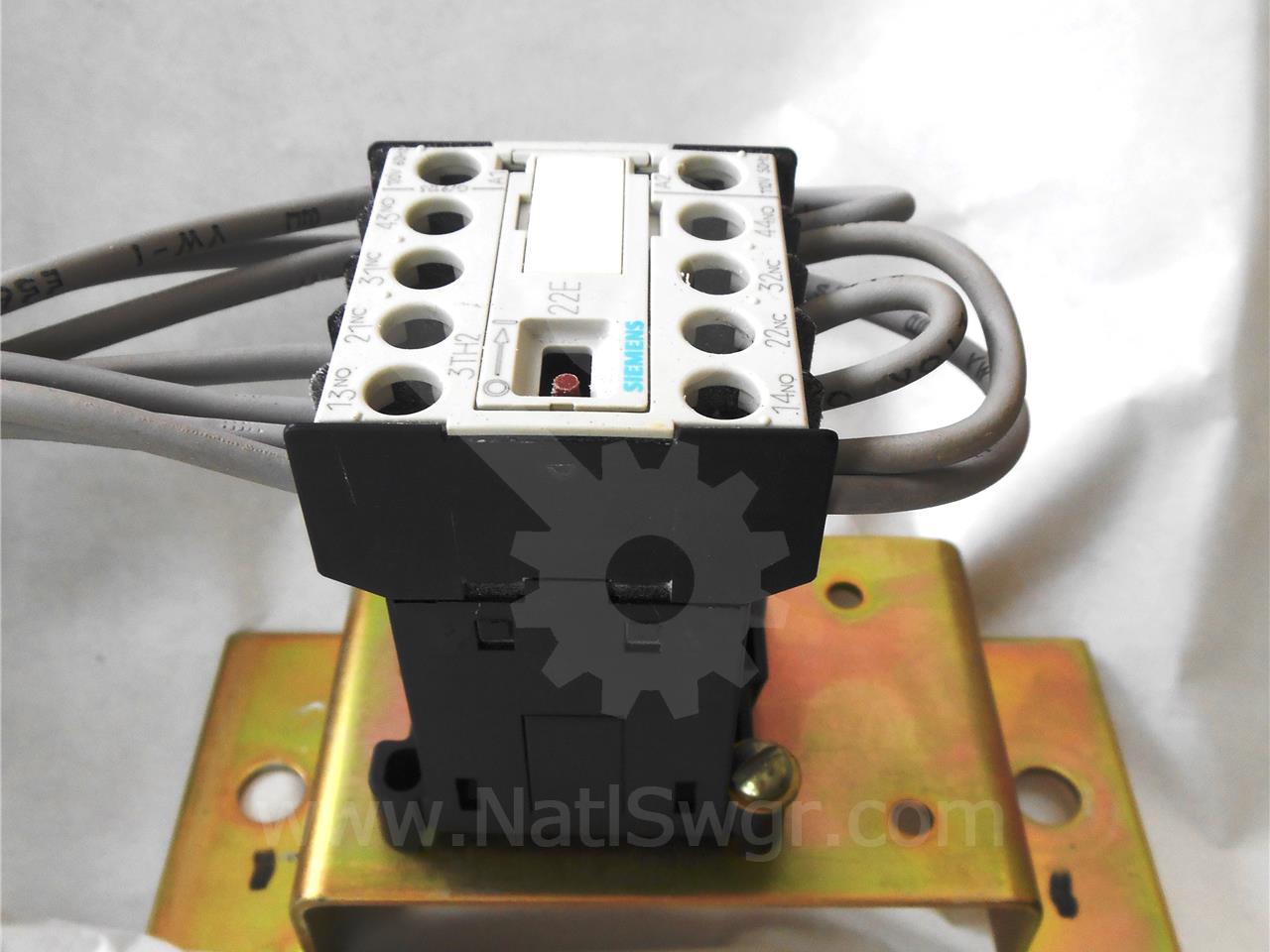 3TH2022-0AK6 Siemens / Allis Chalmers 120VAC CONTROL RELAY Y FOR GMI