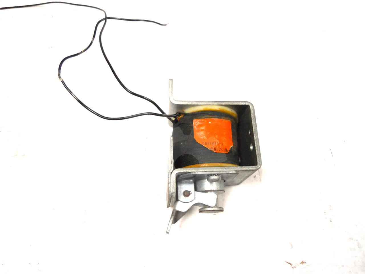 WH 125VDC/240VAC SHUNT TRIP COIL ASSEMBLY