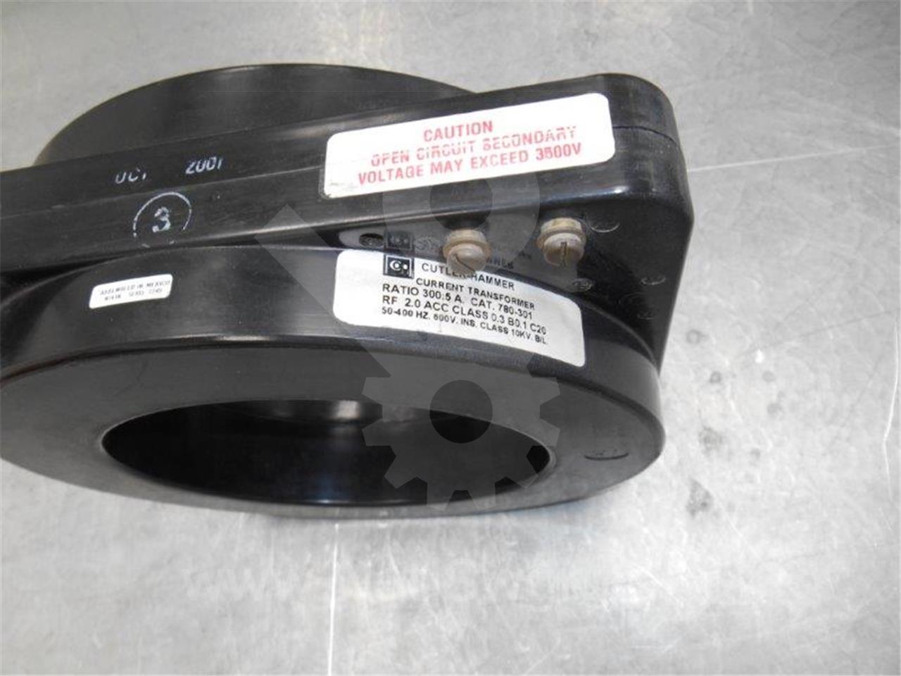 780-301 Cutler-Hammer CURRENT TRANSFORMER 300:5, NEW C20, 10KV BIL, UNUSED NEW