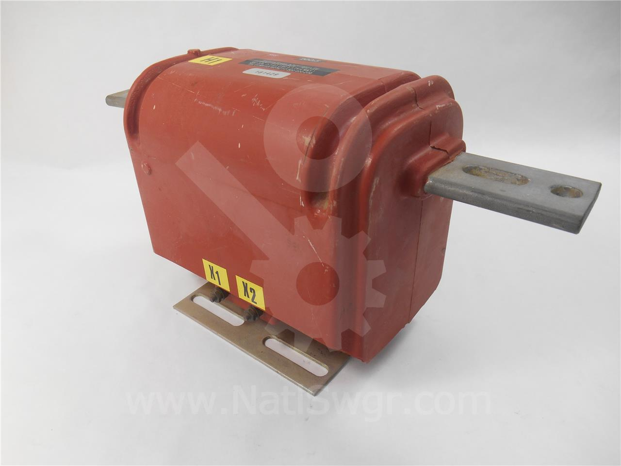 61-300-000-200 Siemens / Allis Chalmers CURRENT TRANSFORMER, 200:5 BAR TYPE