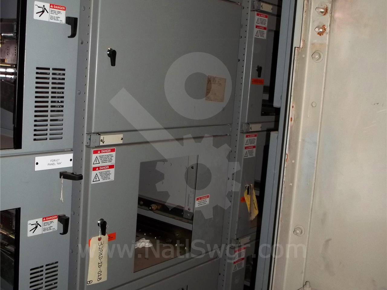 AKD-10 3200A GE / General Electric AKD-10 FUSED INDOOR SWITCHGEAR 3-800A FEEDER, CONTROL SECTION