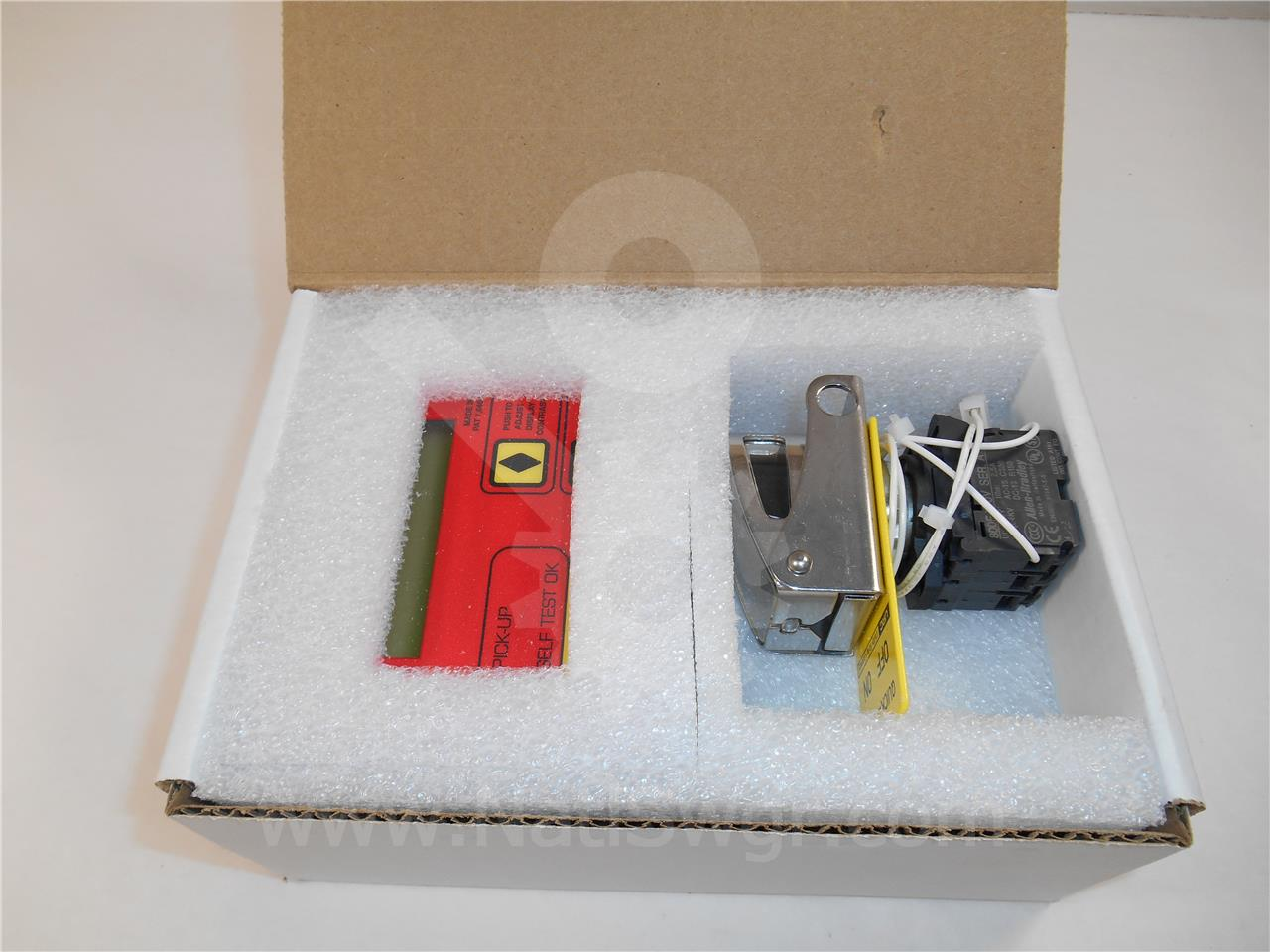 NSS ARC FLASH DISPLAY ENCLOSURE KIT FOR USE WITH URC AC PRO
